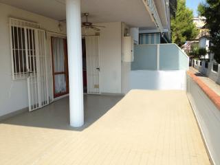 Appartamento trilocale a soli 80 mt dal mare!!! - Tortoreto Lido vacation rentals
