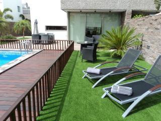 Luxury villa with private heated pool El Duque are - Santa Cruz de Tenerife vacation rentals