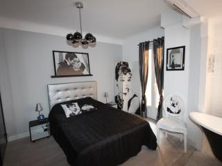 Miramar Cannes Vacation Home with WiFi and Balcony - Cannes vacation rentals