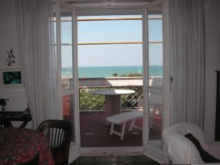 Perfect Condo with Central Heating and Garage - Lavinio Lido di Enea vacation rentals