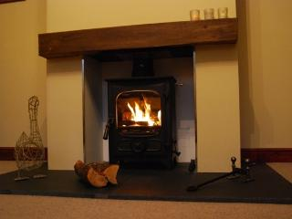 Lovely Cottage in Kirkby Lonsdale with Internet Access, sleeps 5 - Kirkby Lonsdale vacation rentals