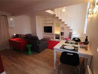 1BR - Paris Apartment Duplex (195), Paris - Paris vacation rentals