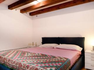 Two steps from Rialto - Venice vacation rentals