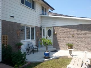 Beautiful Apartment with A/C and Satellite Or Cable TV - Mississauga vacation rentals