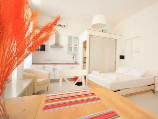 Lovely 1 bedroom Condo in Sliema - Sliema vacation rentals
