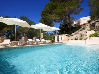 5 bedroom Villa with Internet Access in Sant Carles de Peralta - Sant Carles de Peralta vacation rentals