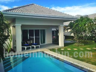 Stunning 3 bedroom pool house in Hua Hin - RHH27 - Hua Hin vacation rentals