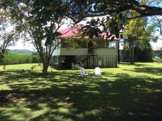 Gangajang-Oasis on beautiful Tweed River.River views, Wi Fi, Foxtel, Tandem Bike - Murwillumbah vacation rentals