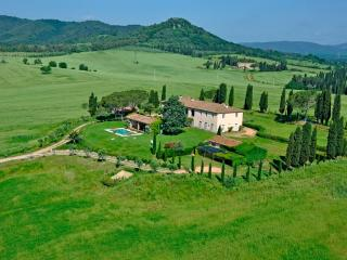 Luxury Villa for 8 people, pool, full staff, Vigna - Gavorrano vacation rentals