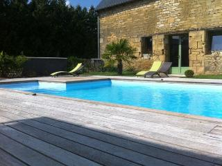 Nice Gite with Internet Access and Central Heating - Evran vacation rentals