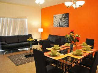 2 Miles to Disney World - Sun Lake 3 Bed Condo - Kissimmee vacation rentals