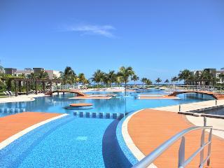 Penthouse Mareazul - Cancun vacation rentals