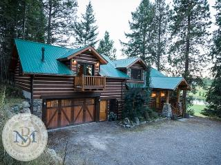 Authentic Montana Decor, Perfect for the Family, close to everything! - Bigfork vacation rentals