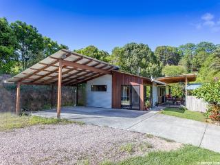 Mango Tree Cottage - kid pet & wheelchair friendly - Pottsville vacation rentals