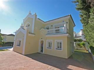Lovely Villa with Internet Access and Dishwasher - Estepona vacation rentals