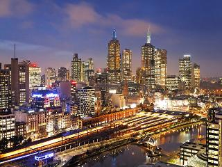 Platinum ARMANI 2Bed/1Bath with Balcony_FRESHWATER - Melbourne vacation rentals