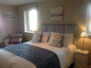 GOLFERS RETREAT TOWNHOUSE 6, (Discounted Golf), Kendal, South Lakes - - Kendal vacation rentals