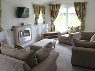 CLEARWATER LODGE 12 (Hot Tub) Hillcroft Park, Pooley Bridge, Ullswater - Pooley Bridge vacation rentals