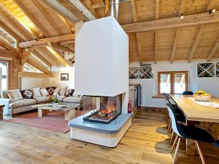 Amazing chalet in St Martin de Belleville with large balcony and panoramic mountain views - Courchevel vacation rentals