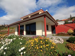 Beautiful 3 bedroom Villa in Estreito da Calheta - Estreito da Calheta vacation rentals