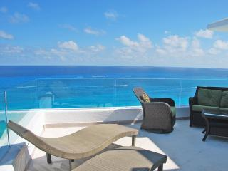 Penthouse #3000 - freshly updated in October 2014 - Cancun vacation rentals