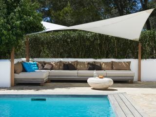 Comfortable Villa with A/C and Satellite Or Cable TV - Nuestra Senora de Jesus vacation rentals