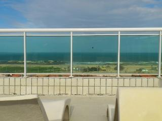 Beautiful 5-bedroom with ocean view - Fortaleza vacation rentals