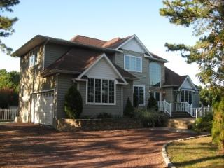 Bright 5 bedroom Southampton House with Internet Access - Southampton vacation rentals