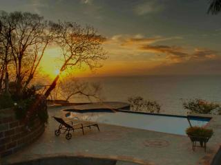 Cliff top pacific overviewing cottages and house. - Montezuma vacation rentals