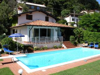 Lovely 2 bedroom House in Domaso with Internet Access - Domaso vacation rentals
