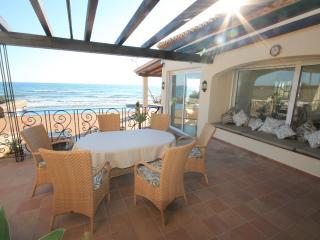 Villa de lujo 1st line of beach - Marbella vacation rentals