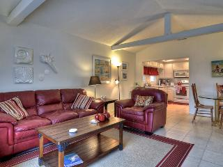 Marcus Ave. - 3BR / 3BA Beach House with Private Dock and Spacious Patio - Newport Beach vacation rentals