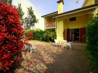 Lido di Pomposa Villa Fiori D1, CHE CASA!!! - Lido di Pomposa vacation rentals