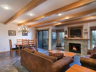 Val D'Isere 42 - Ski Back Mammoth Village Rental - Mammoth Lakes vacation rentals