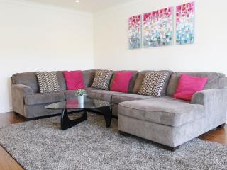 Modern Beverly Hills 3 Bedroom Gem - Beverly Hills vacation rentals