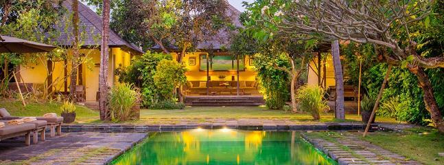 Villa Belong Dua - Pool and villa at dusk - Villa Belong Dua - an elite haven - Seseh - rentals