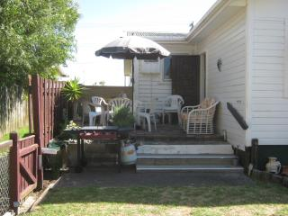 2 bedroom House with Washing Machine in Mount Maunganui - Mount Maunganui vacation rentals