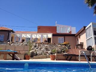 Very quiet holiday home in Tenerife with pool. - Abades vacation rentals