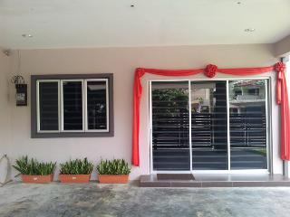 Bercham vacation house AB-9 room - Malaysia vacation rentals