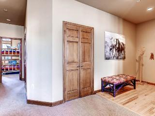Lovely 3 bedroom Apartment in Beaver Creek - Beaver Creek vacation rentals