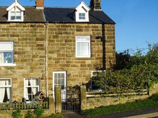 BLINKBONNY, woodburner, pet-friendly, enclosed patio, in Glaisdale, Ref 914847 - North Yorkshire vacation rentals