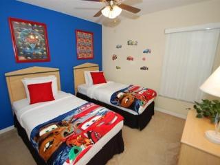 Executive 6 Bedroom 3 Bath Pool Home just minutes from Disney! - Orlando vacation rentals