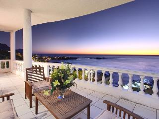 Beautiful 3 bedroom Clifton Apartment with Internet Access - Clifton vacation rentals