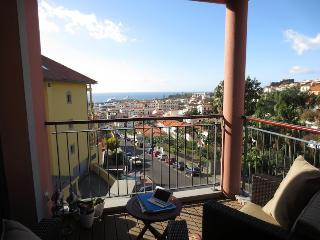 Living Funchal - Shared Swimming Pool & Gym - Funchal vacation rentals