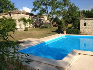 La Maison Pastorale private pool and garden - Villereal vacation rentals