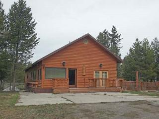 Wolf Den is a nice size cabin for your families visit to Island Park. - Island Park vacation rentals