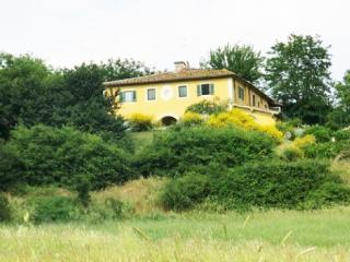 Nice Bed and Breakfast with Internet Access and Microwave - Bagno a Ripoli vacation rentals