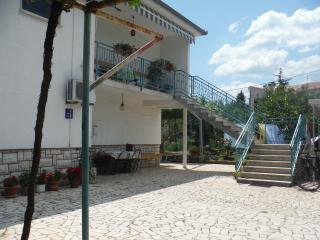 APARTMENT HENRIK - Rakalj vacation rentals