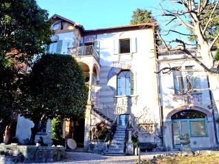 Nice 4 bedroom Cernobbio Villa with Dishwasher - Cernobbio vacation rentals