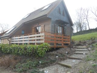 Cozy Vire vacation Chalet with Deck - Vire vacation rentals
